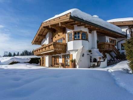 Traditionelles Landhaus im hochwertigen Tiroler Stil