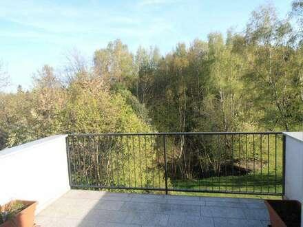Tolle 3 Zi. Wohnung in ruhiger, idyllischer Zentrumslage, 74 m² WNFL. mit südl. Balkon 11 m² und 2 Stellplätze