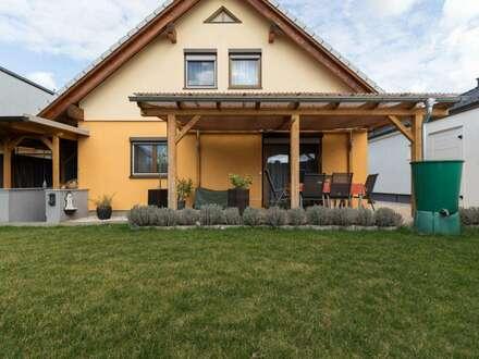 +NEUWERTIGES Traumhaus mit 2 Garagen und wunderschönem Garten in Deutschkreutz zu verkaufen!!!+