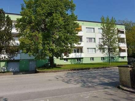 Preiswerte 4-Raum-Wohnung mit einladendem Balkon sorgt für höchste Wohnqualität! Hier wird Wohnen zum Genuss! Provisionsfrei!