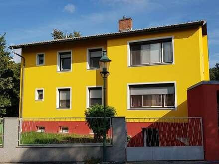 Ein- od..Zweifamilienhaus.mit Pool und großem Garten gute Lage in.Langenzersdorf