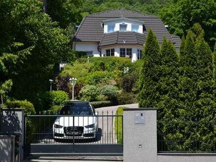 Moderne Villa mit Parkzufahrt in Ruhelage
