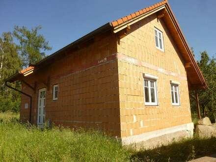 Rohbauhaus in wunderbarer Ortsrand und Waldrandlage Nähe Thaya