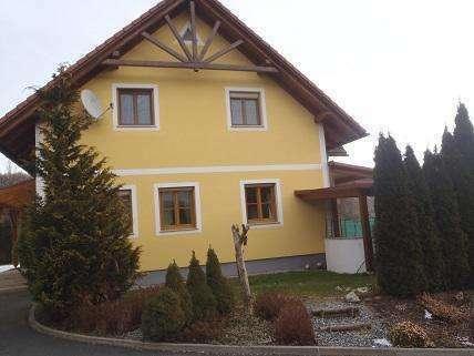 Hochwertiges Einfamilienhaus mit großem Grundstück, Pool und Doppelcarport