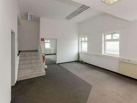 FLEXIBEL, letzte Einheit | Bürofläche ca. 120 m2 im OG, sanierter Parkplatz und neue Fassade