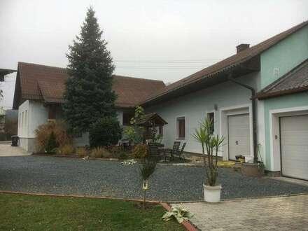 Großzügiges Landhaus mit wunderschönem Garten