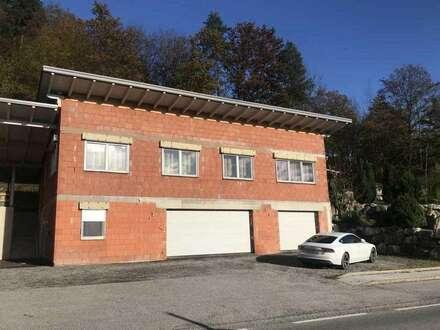 Wörthersee wenige KM neuwertiges Wohnhaus mit 4 großen Garagen