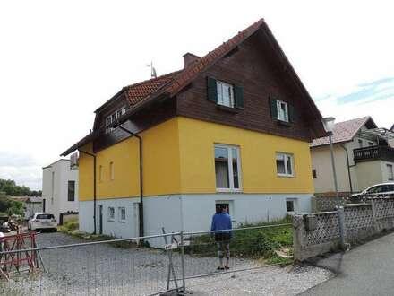 Sonniges Zweifamilienhaus