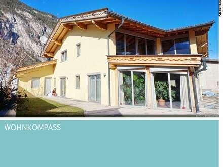 Traumhaftes Wohnhaus im Chaletstil in absoluter Ruhelage!