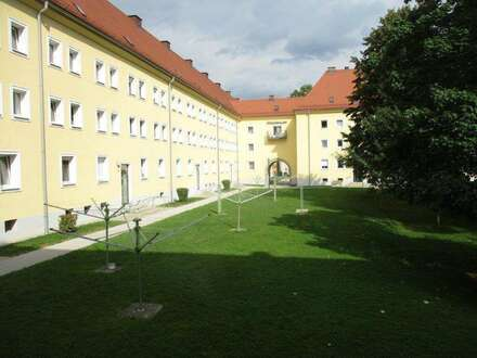 Praktisch geschnittene, sanierte sowie leistbare 2 Raum Wohnung mit Badewanne, Stadtteil Steyr Münichholz, provisionsfrei!