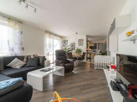 Großzügige Wohnung mit Blick über die Stadt sowie die Karawanken - Villach Warmbad