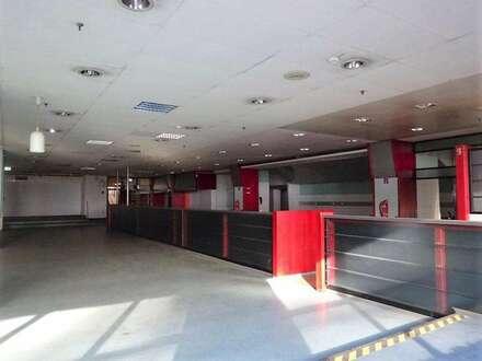 730 m² große Kantine/ Veranstaltungshalle mit Küche, Kühlräumen und Ess-Salon in einem zentral gelegenen Grazer Büro- & Logistikcenter