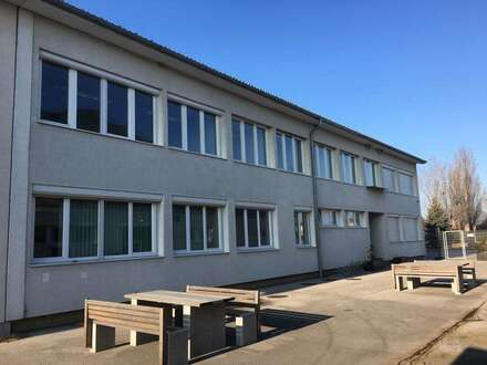 Großzügiges gepflegtes Büro mit ca. 300 m2 nahe A 4