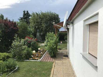 Ruhiges Kleingartenhaus mit herrlichem Garten! Ganzjahresnutzung!