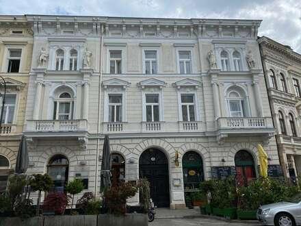 Wunderschöner Erstbezug 1 Zimmer Altbauwohnung im Zentrum von Baden!
