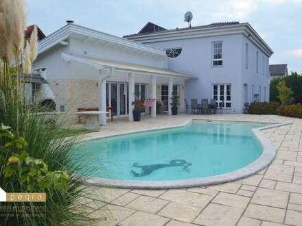 Ebreichsdorf: Elegante Villa für einen anspruchsvollen und entspannten Lebensstil
