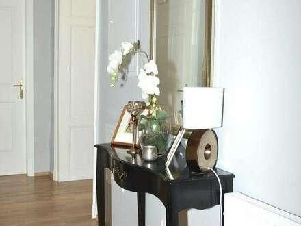 Sensationelle Altbau Wohnung, SüdWest Ausrichtung, 3 Balkone, 2 SZ, barrierefrei. Ab 01.06.19.