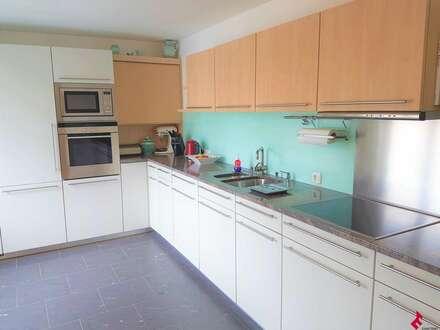 moderne 4-Zi.-Wohnung in Seenähe