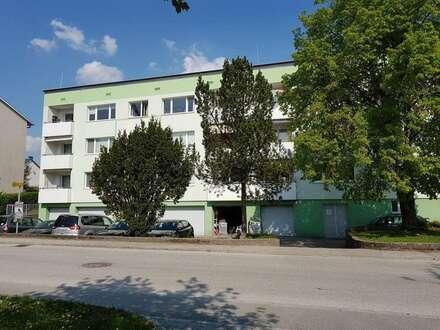 Wohn(t)raum in qualitätsvollem Umfeld in einem generalsanierten Wohnhaus: XL-4-Räume mit Loggia! Naturnahe Lage am Inn, nahe Zentrum Schärding!