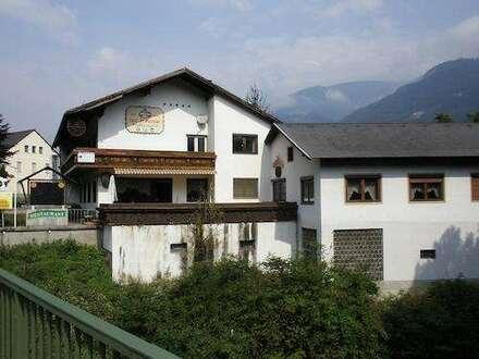 Gasthaus + Stallgebäude