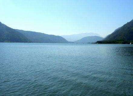 Ossiacher See! Neubau-ETW mit Seezugang in ufernaher Lage