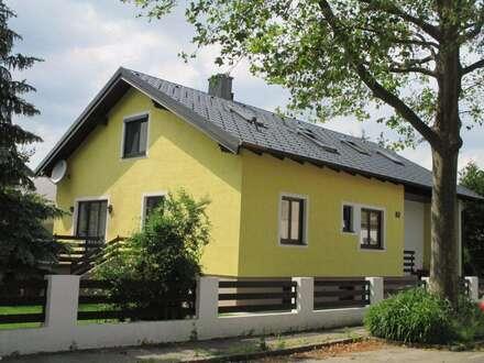 4 Zimmer - DG -WOHNUNG in einem Zweifamilienhaus mit Gartenmitbenutzung um NUR € 890,00