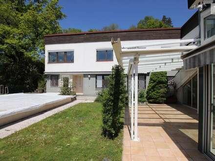 Traumhafte und geschmackvolle Villa in bester Lage, Akazienhofstrasse mit Blick über Klagenfurt auf die Karawanken