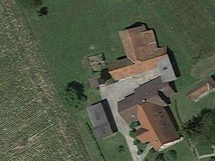 Ehemalige Hofstelle, neuwertiges Wohnhaus, 200m2, Stallungen, Lagerflächen, 5200m2 Grund, Top Lage !