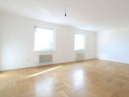 Geräumige 5-Zimmer-Wohnung im 3. Liftstock mit tollem Fernblick, Loggia und Autoabstellplatz/74