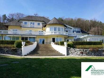 exklusive Villa mit Schwimmhalle, Sauna, Pool und Biotop