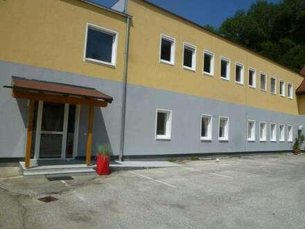 Büro, Seminar- oder Schulungsräume zu vermieten
