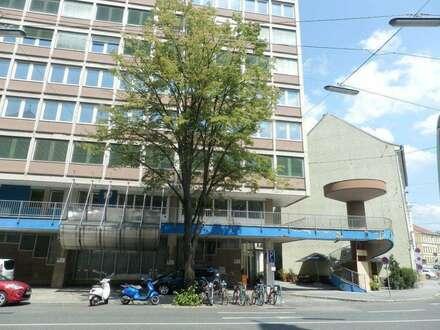 Dreigeschossiges Wohnungseigentumsobjekt/Büro mit großzügigen Freiflächen und viel Potenzial in bester Innenstadtlage - direkt…