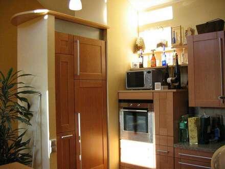 Exklusive Dachgeschoss Wohnung mit 2 Terrassen und einer kleineren Wohnung