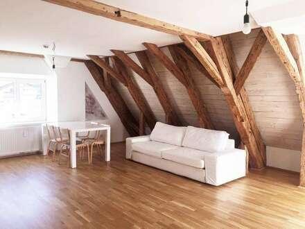 Großzügige, helle 2 Zimmer-Wohnung in wunderschön renoviertem historischen Gebäude