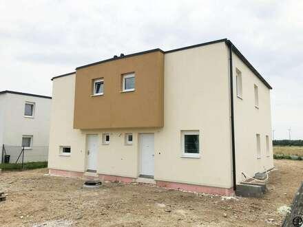 Paul&Partner: ERSTBEZUG MIT KAUFOPTION: Doppelhaushälfte; Luftwärmepumpe - großer Garten - Keller, uvm.