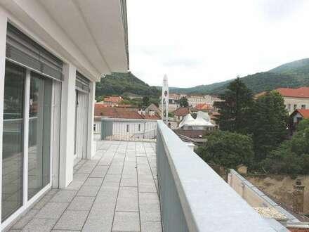 Ärzte- und Bürohaus in bester frequentierter Lage im Zentrum von Hainburg!! Neuester Stand der Technik! Mit Terrasse und…