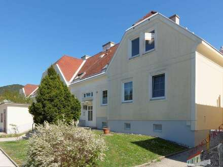 2-Zimmer-DG-Wohnung plus großer Hobbyraum – Nähe Anninger und Naturpark Sparbach