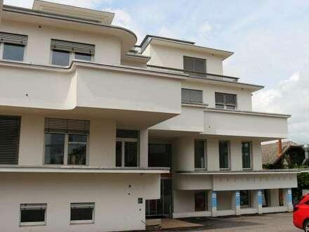 Ärzte- und Bürohaus in frequentierter Lage im Zentrum Hainburg!! Am neuesten Stand der Technik! Mit Terrasse und Kundenparkplätzen!