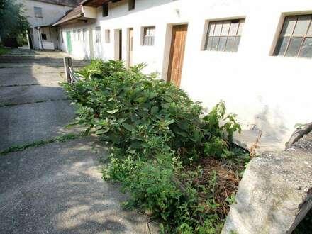 +4600m² Grundstück ++Wfl mit Stallungen und Innenhof + Sehr schöner Bauernhof 150m²+