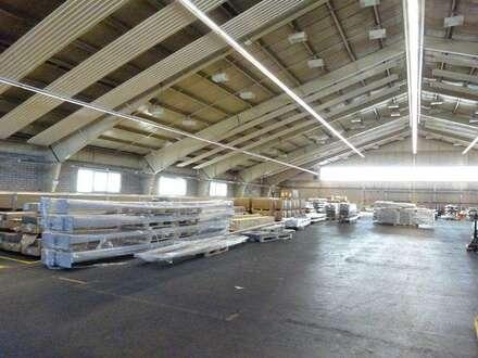 1. Monat mietfrei - Sehr große, zentral gelegene Mehrzweckhalle in einem Grazer Büro- & Logistikcenter