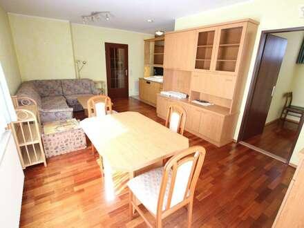 Tolle und super aufgeteilte 63m² 2 Zi Wohnung mit Loggia und Tiefgarage in Welzenegg