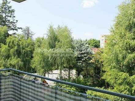 Herzige 3-Zimmer-Wohnung mit Balkon in schöner Grünlage!