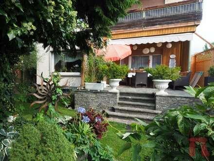 Helle Wohnung mit ca. 350m² Eigengarten