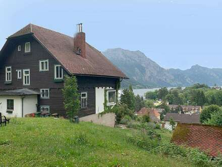Der Ausblick ist aufregend! Villa im Herrenhaus-Stil  auf ca. 2.000 m² Parkgrund und Seeblick