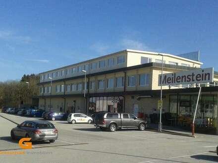 Henndorf - Neuwertiges Geschäftslokal in Toplage zu vermieten