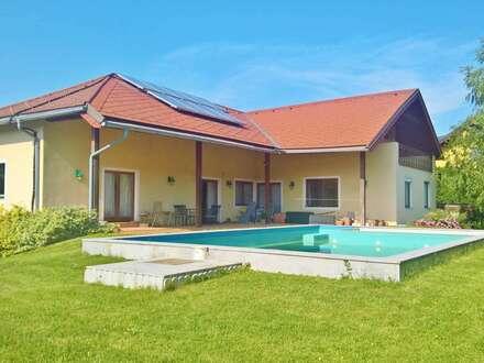 großes Haus - großer Garten - großer Pool