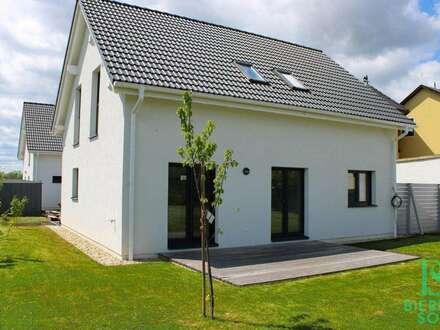 Familientraum mit allen Vorzügen! Viel Platz – großer Garten – gemütliche Terrasse – Klimaanlage - Abstellplätze und eine perfekte Anbindung!