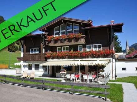 Kleines, renoviertes Hotel mit großem Grundstück in ausgezeichneter Lage in Mittelberg / Kleinwalsertal