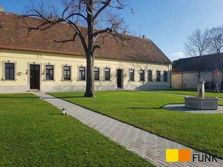 Tradition trifft Moderne: Ihr neues Zuhause im Forsthof des Schlosses Bockfließ