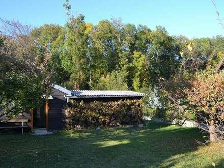 Sehr gut und ruhig gelegenes Grundstück mit Gartenhaus